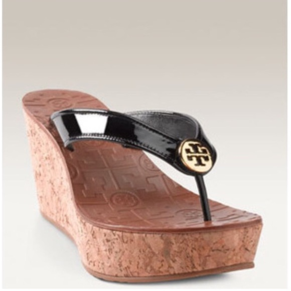 daaf4adc6de2b •Tory Burch• Thora Wedge Sandal in Black. M 5ad1175872ea888f4a8989c1